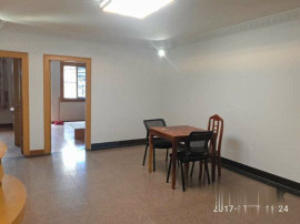生活方便,兴元小区 2500元 3室2厅2卫 中装,部分家私电器