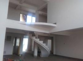 240平米大跃层5室赠送地下室空中花园首付99万 性价比高
